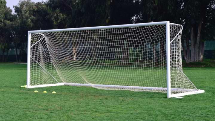 dimension taille cage de foot professionnelle