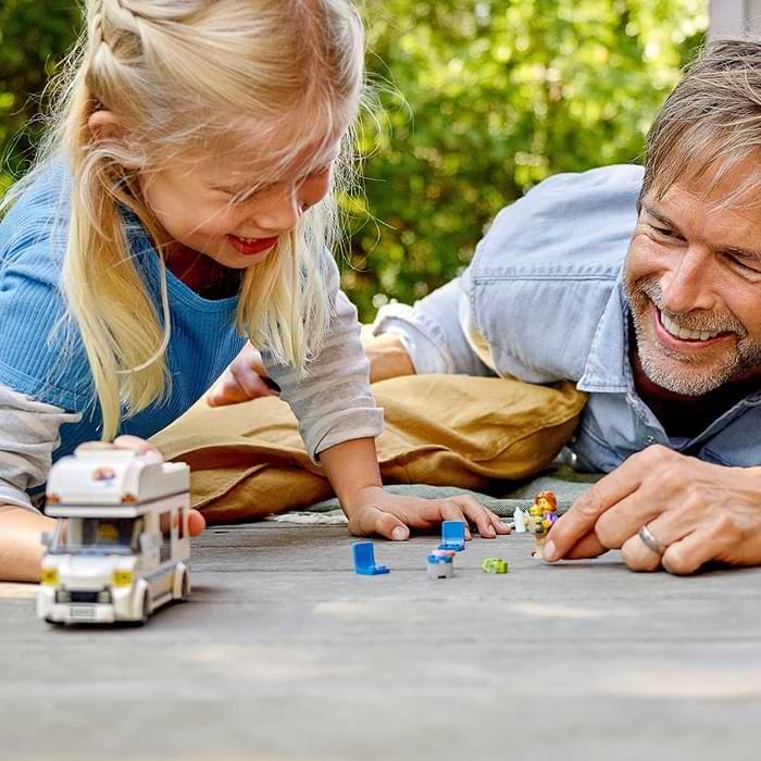 âge garçon fille jouet camping-car