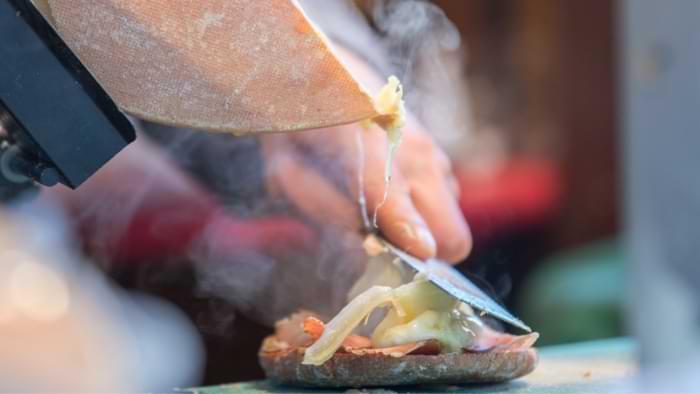 raclette traditionnelle 1/4 de meule